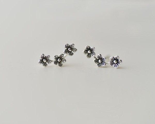 STERLING SILVER CURVED FLOWER EARRINGS