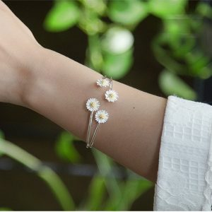 DAISY WRAP BANGLE