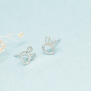 SIMPLISTIC BUNNY EARRINGS