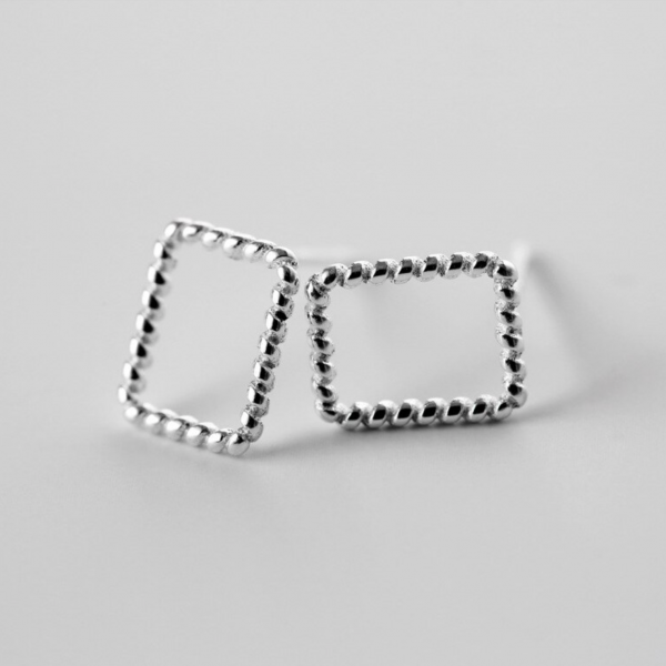 TWISTED RECTANGLE STUD EARRINGS