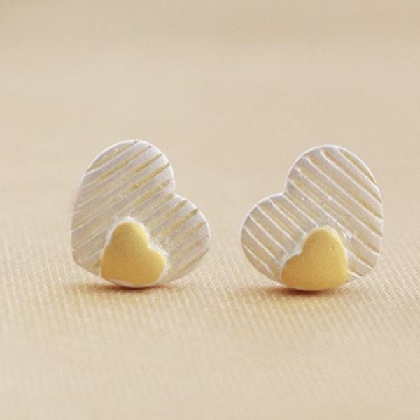 TWO-TONE DOUBLE HEART STUD EARRINGS