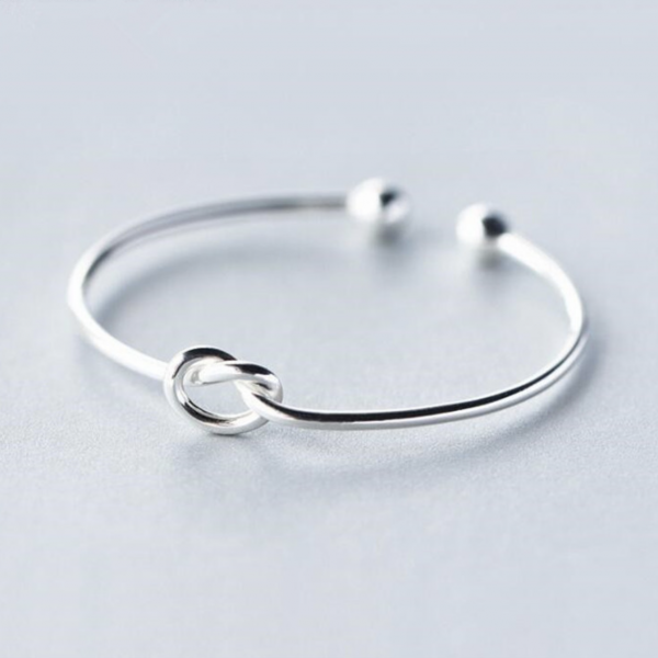 KNOT DETAIL BANGLE