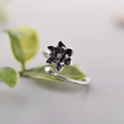 STERLING SILVER WRAP FLOWER RING